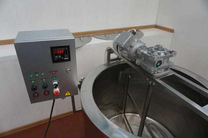 Ванна длительной пастеризации на 350 литров, блок управления, мешалка и привод
